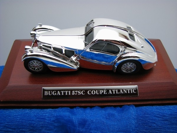 Bugatti 57SC Coupe Atlantic chrom 1:43 Atlas