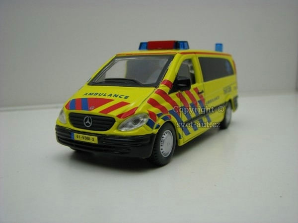 Mercedes-Benz Vito Ambulance 1:50 Bburago