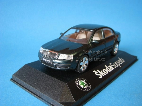 Škoda Superb Highland green Metallic 1:43 Kaden