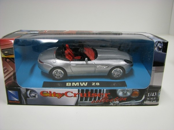 BMW Z8 Silver 1:43 New Ray