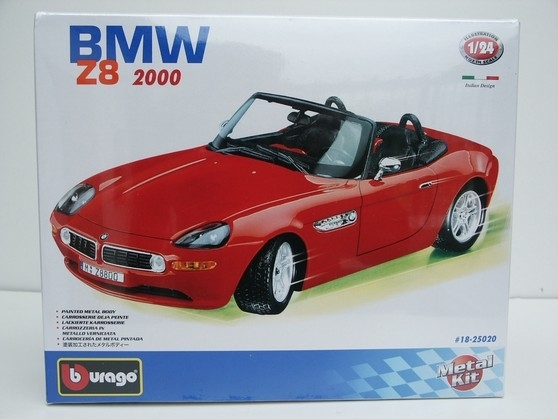 BMW Z8 2000 KIT 1:24 Bburago New