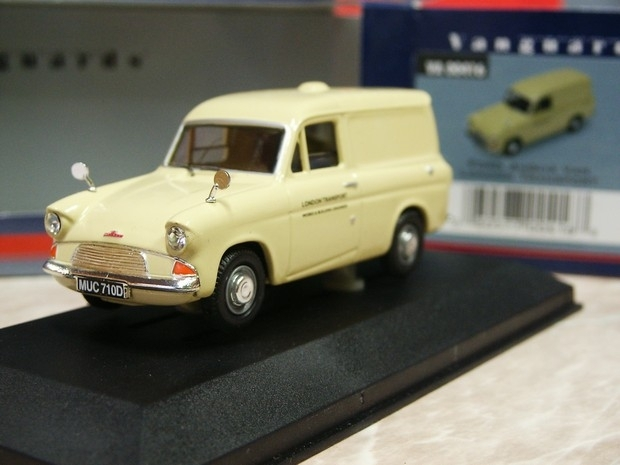Ford Anglia Van London transport 1:43 Vanguards
