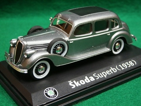 Škoda Superb 913 1938 Silver Gray 1:43 Abrex