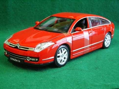 Citroen C6 red 1:20 Bburago
