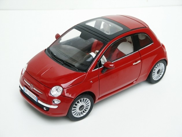 Fiat 500 Nuova red 1:18 Mondo Motors