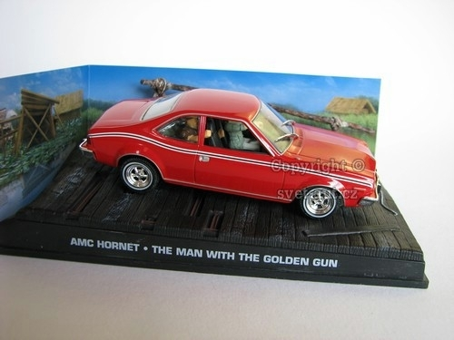 AMC Hornet James Bond 007 1:43 Universal Hobbies