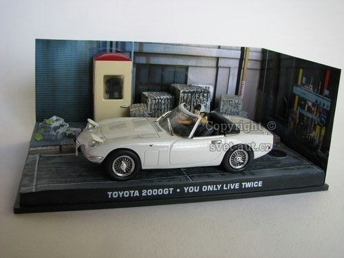 Toyota 2000GT You only liwe twice James Bond 007 1:43 Universal Hobbies
