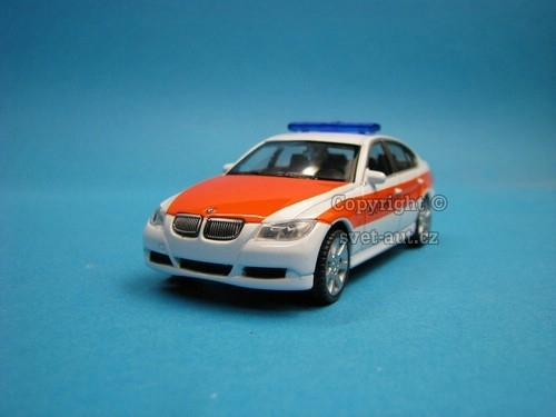 BMW 330i Notarzt 1:43 Welly
