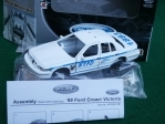 Ford Crown Victoria NYPD 1999 Kit 1:36 Welly